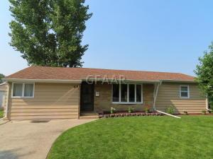 818 18TH Street NW, EAST GRAND FORKS, MN 56721