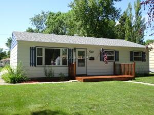 1518 S 19TH Street, GRAND FORKS, ND 58201
