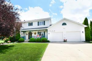 1498 NORCHIP Circle, GRAND FORKS, ND 58201