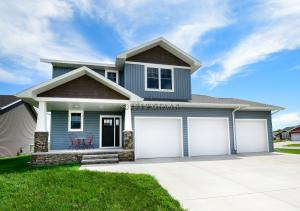 4299 CRYSTAL Drive, GRAND FORKS, ND 58201