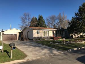 213 PARK Avenue N, PARK RIVER, ND 58270