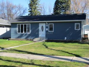 908 18TH Street NW, EAST GRAND FORKS, MN 56721
