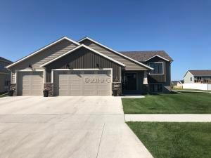 3204 44TH Avenue S, GRAND FORKS, ND 58201