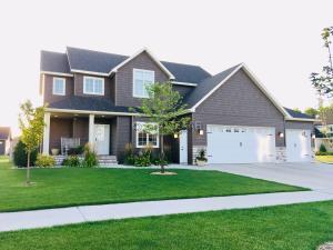 5525 COTTONWOOD Street, GRAND FORKS, ND 58201