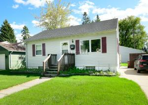 625 12TH Street NW, EAST GRAND FORKS, MN 56721