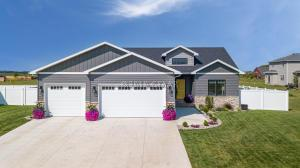 5875 WYDOWN Drive, GRAND FORKS, ND 58201
