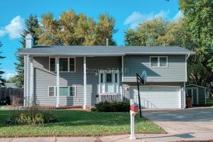 504 20TH ST NW, EAST GRAND FORKS, MN 56721