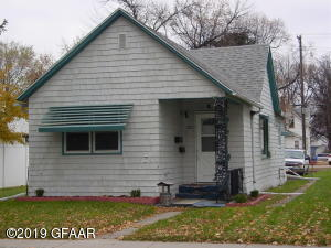 722 6TH Street N, GRAND FORKS, ND 05820