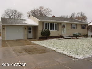 434 RIVER DR SE, EAST GRAND FORKS, MN 56721