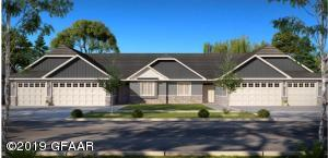 468 CROMWELL DR, GRAND FORKS, ND 58201