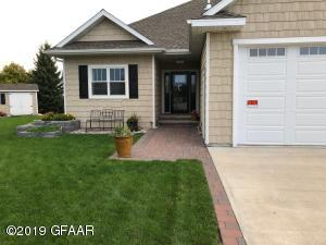 2123 10TH Street SE, EAST GRAND FORKS, MN 56721