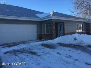 2004 24TH AVE S UNIT A, GRAND FORKS, ND 58201