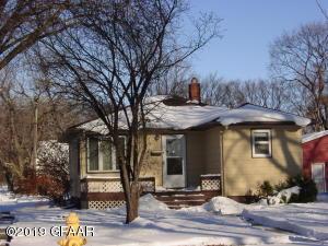 1724 1ST Avenue N, GRAND FORKS, ND 58203