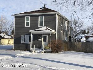 840 KITTSON Avenue, GRAFTON, ND 58237