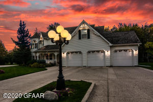 398 WOODLAND Circle, GRAND FORKS, ND 58201