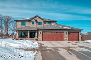 5546 CHARLIE RAY Drive, GRAND FORKS, ND 58201
