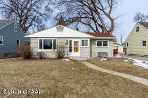 621 N 20TH ST, GRAND FORKS, ND 58203