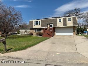 1810 19TH ST NW, EAST GRAND FORKS, MN 56721