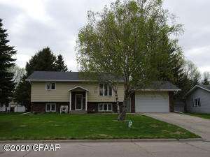 914 JAMES AVE SE, EAST GRAND FORKS, MN 56721