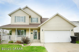 5226 WEST MAPLE AVENUE, GRAND FORKS, ND 58203