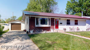 514 23RD AVE S, GRAND FORKS, ND 58201