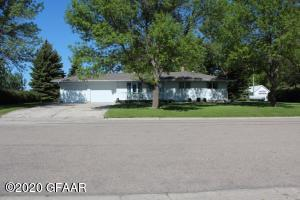 814 MOORHEAD Avenue, PORTLAND, ND 58274