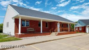 2726 17TH AVE S, GRAND FORKS, ND 58201