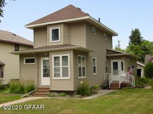 1402 2ND Avenue N, GRAND FORKS, ND 58203