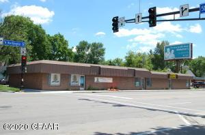 414 WASHINGTON Street N, GRAND FORKS, ND 58203