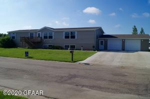 406 10TH Street NW, DEVILS LAKE, ND 58301