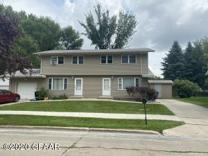 715-717 25TH ST S, GRAND FORKS, ND 58201