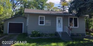 307 HAMLIN Avenue, MCVILLE, ND 58254