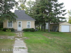 212 6TH Street, PETERSBURG, ND 58272
