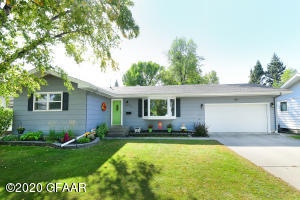 615 25TH AVENUE SOUTH, GRAND FORKS, ND 58201