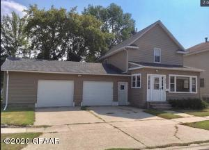 908 KELLY Avenue NE, DEVILS LAKE, ND 58301