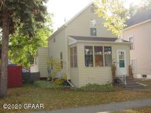 919 WALNUT Street, GRAND FORKS, ND 58201
