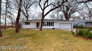 1222 13TH Avenue SE, EAST GRAND FORKS, MN 56721