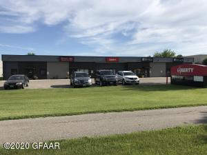 2150 32ND Avenue S, GRAND FORKS, ND 58201