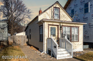 1006 1ST AVE NORTH, GRAND FORKS, ND 58203