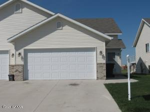 4844 CURRAN CT, GRAND FORKS, ND 58201