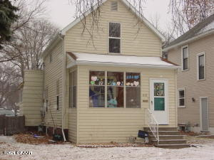 919 WALNUT Street, GRAND FORKS, ND 58201