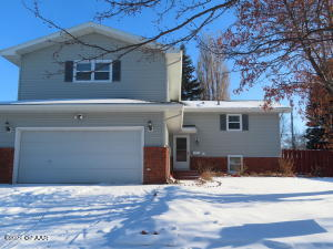 827 S 24TH Street, GRAND FORKS, ND 58201