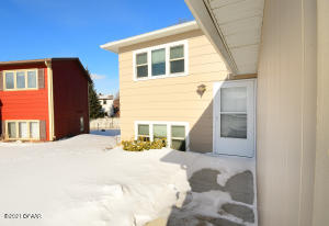 606 41ST Avenue S, GRAND FORKS, ND 58201