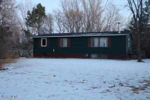 210 SANDWOOD Circle, PARK RIVER, ND 58270