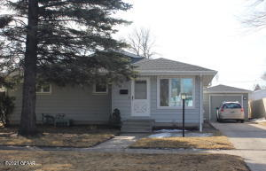 1417 14TH Avenue S, GRAND FORKS, ND 58201