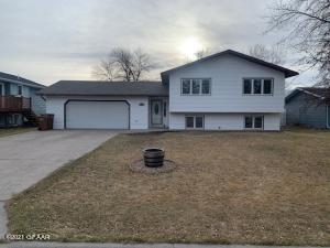 2120 9TH Avenue NW, EAST GRAND FORKS, MN 56721