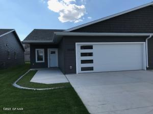 3928 35TH Street S, GRAND FORKS, ND 58201