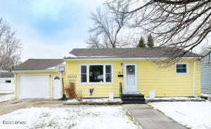 1013 19TH ST NW, EAST GRAND FORKS, MN 56721