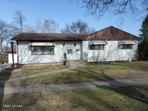 1224 MCHUGH Avenue, GRAFTON, ND 58237