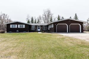 7101 32ND Avenue S, GRAND FORKS, ND 58201